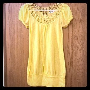 yellow T-shirt with lace